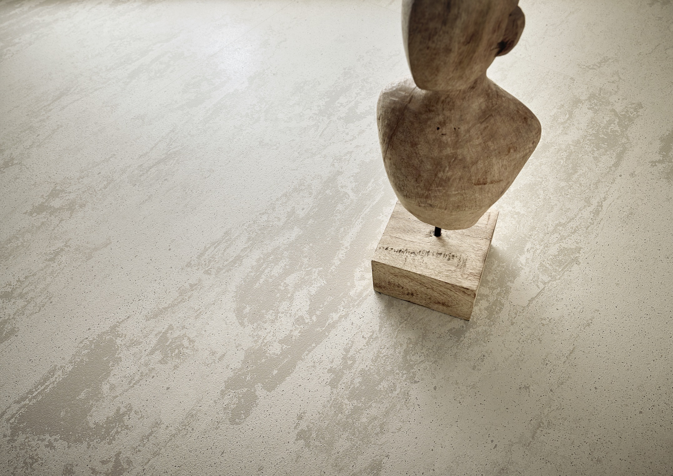 """NEW RUBBER FLOORING DESIGNS REVIVE THE """"URBAN LOOK"""" IN OFFICE FLOORING"""